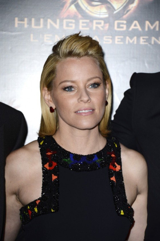 Elizabeth Banks – The Hunger Games: Catching Fire premiere in Paris -02