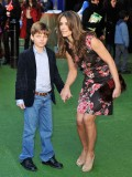 elizabeth-hurley-gnomeo-and-juliet-uk-film-premiere-09