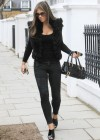 elizabeth-hurley-old-lady-street-walker-02