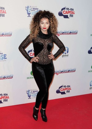 Ella Eyre - KIIS FM's Jingle Bell Ball Event in London Day 2