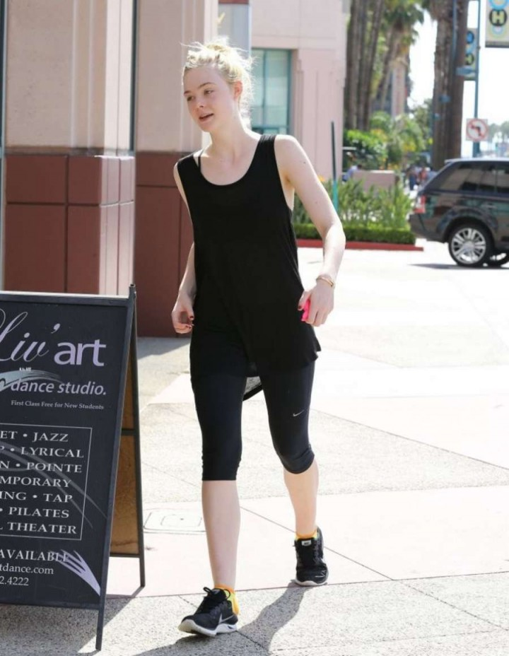 Elle Fanning - Going to a Dance Class in North Hollywood