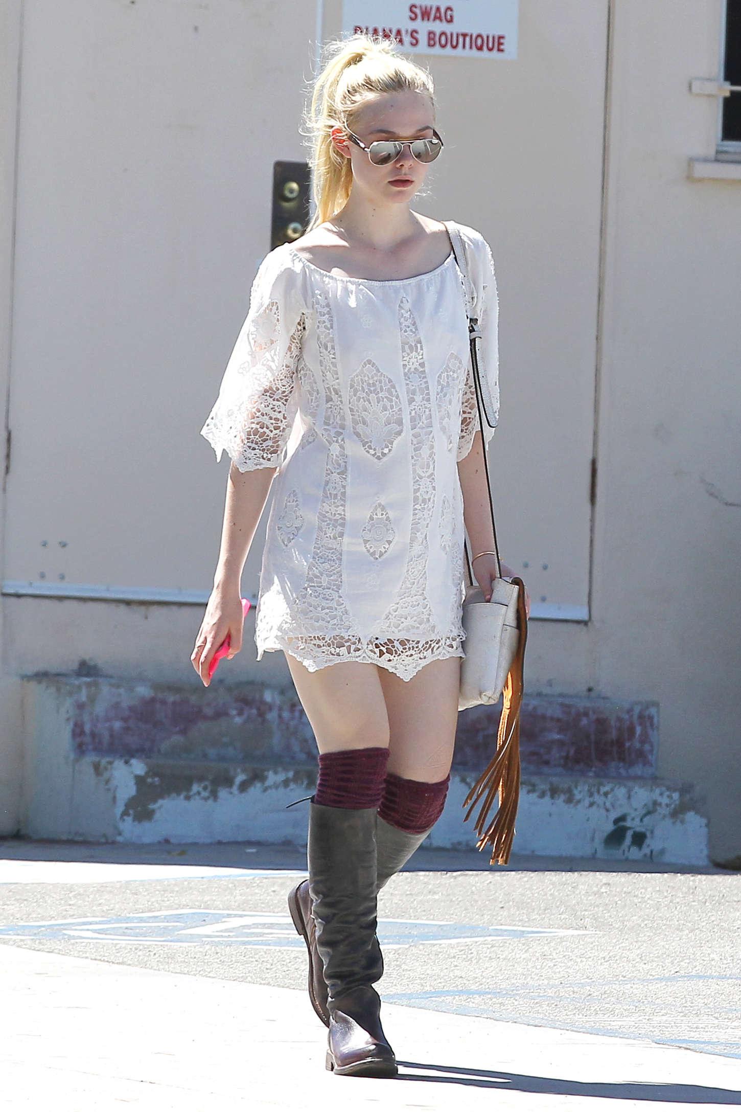 Elle Fanning In White Mini Dress 11 Gotceleb