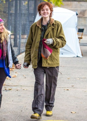 Elle Fanning on Three Generations set -02