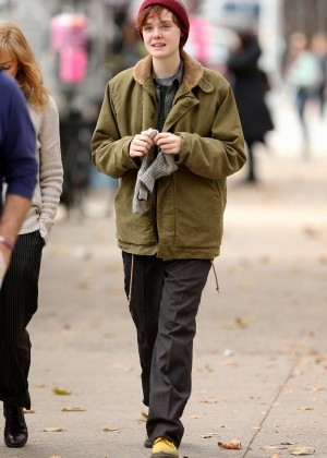 Elle Fanning on Three Generations set -05