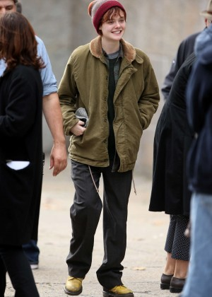 Elle Fanning on Three Generations set -10