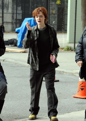 Elle Fanning on Three Generations set -16