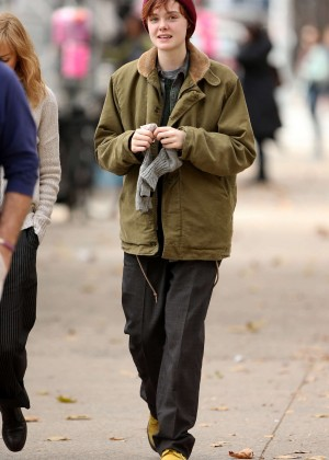 Elle Fanning on Three Generations set -18