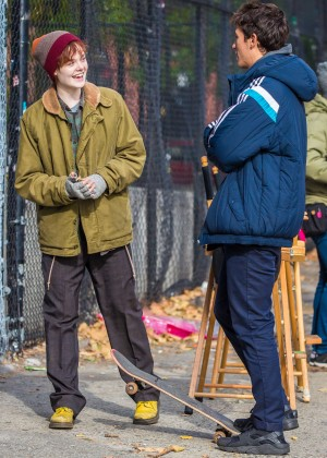 Elle Fanning on Three Generations set -30