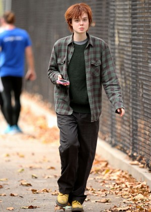 Elle Fanning on Three Generations set -35