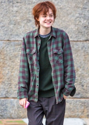 Elle Fanning on Three Generations set -37