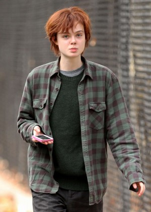 Elle Fanning on Three Generations set -41