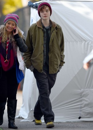 Elle Fanning on Three Generations set -45