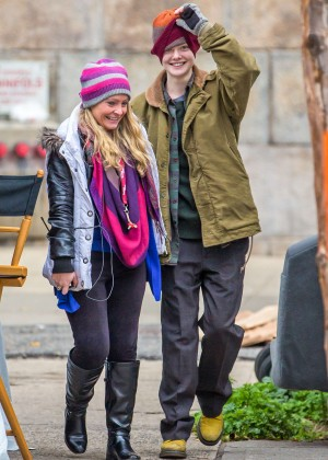 Elle Fanning on Three Generations set -50
