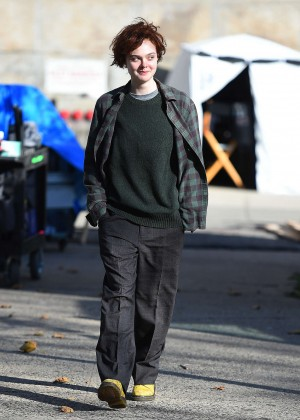 Elle Fanning on Three Generations set -54