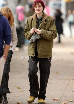 Elle Fanning on Three Generations set -61