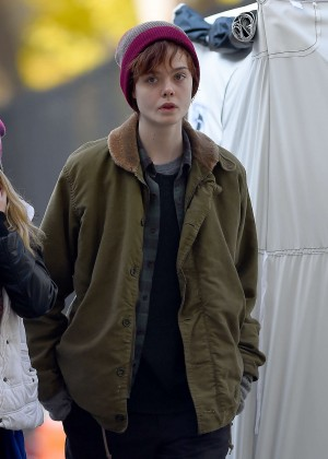 Elle Fanning on Three Generations set -62