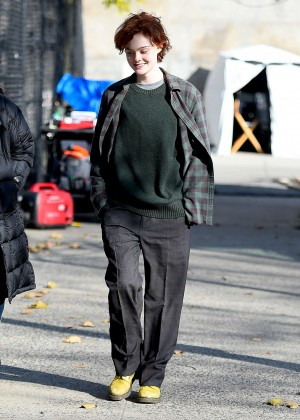 Elle Fanning on Three Generations set -64