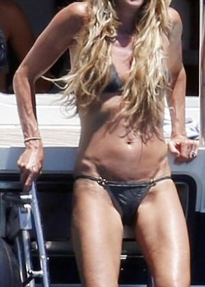 Elle Macpherson Bikini: in Sardinia 2014 -08