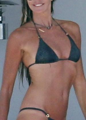 Elle Macpherson Bikini: in Sardinia 2014 -12