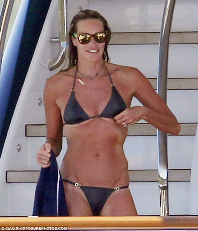 Elle Macpherson Bikini In Sardinia 2014 20 Gotceleb