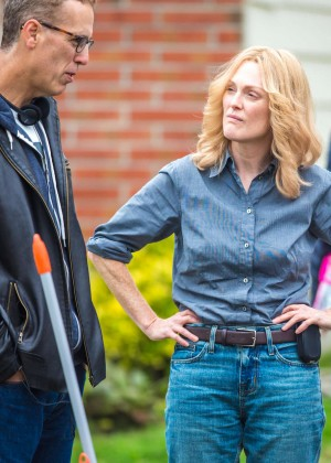 Ellen Page and Julianne Moore on Freeheld set -01