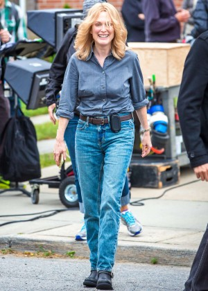 Ellen Page and Julianne Moore on Freeheld set -15