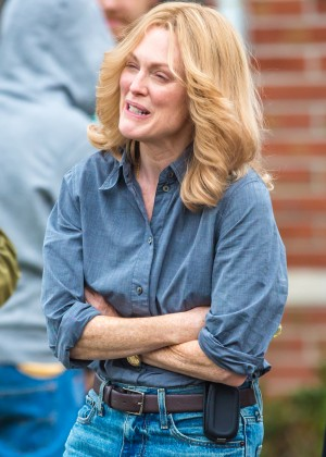 Ellen Page and Julianne Moore on Freeheld set -34
