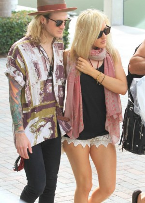Ellie Goulding in Short Shorts out in Miami