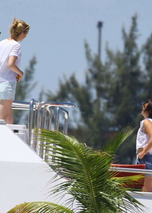 Ellie Goulding Bikini Photos: 2014 Miami -03