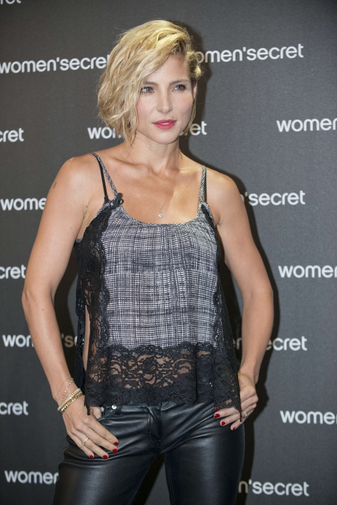 "Elsa Pataky - ""Dark Seduction"" Photocall in Madrid"