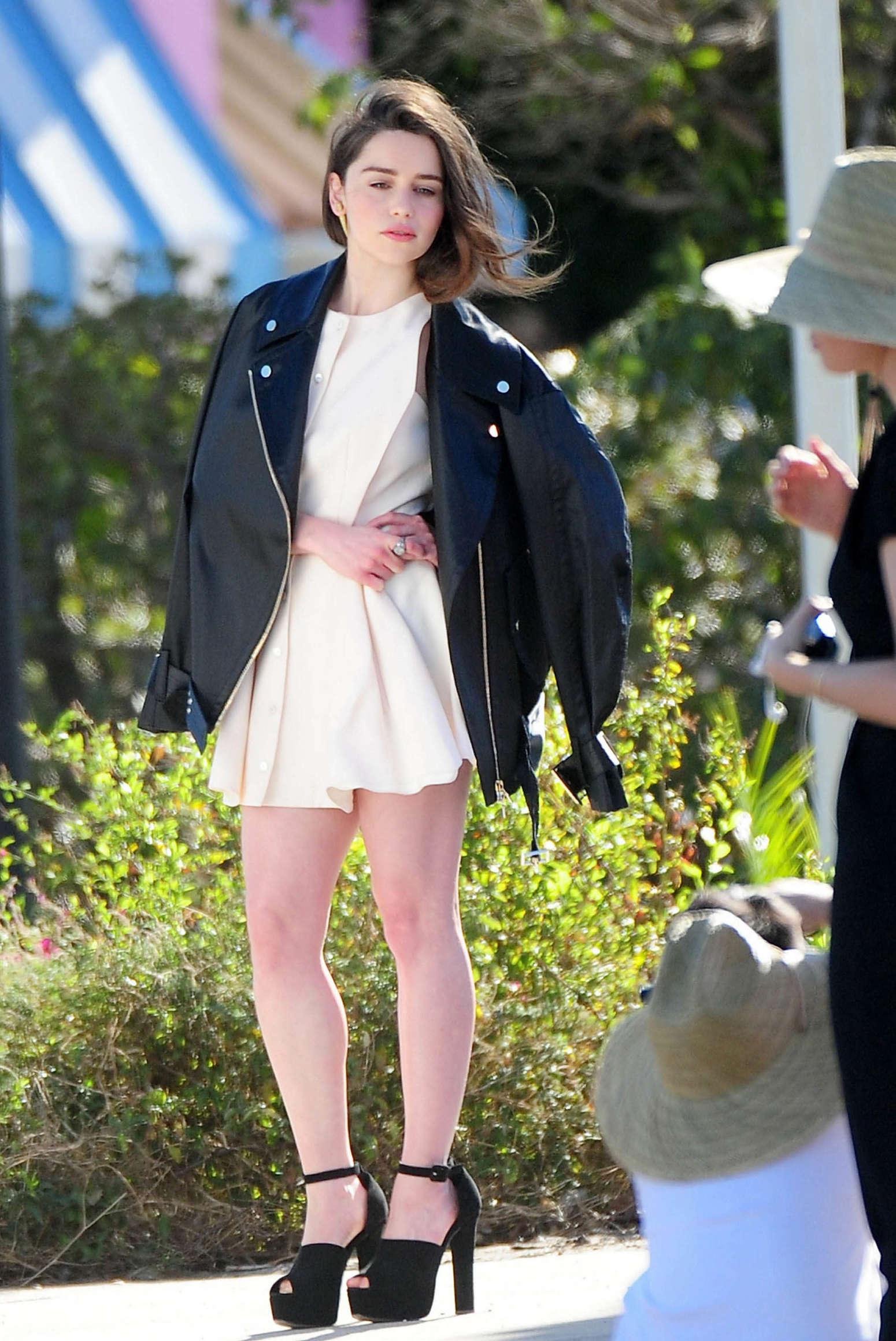Emilia Clarke Photoshoot Candids In Los Angeles Gotceleb