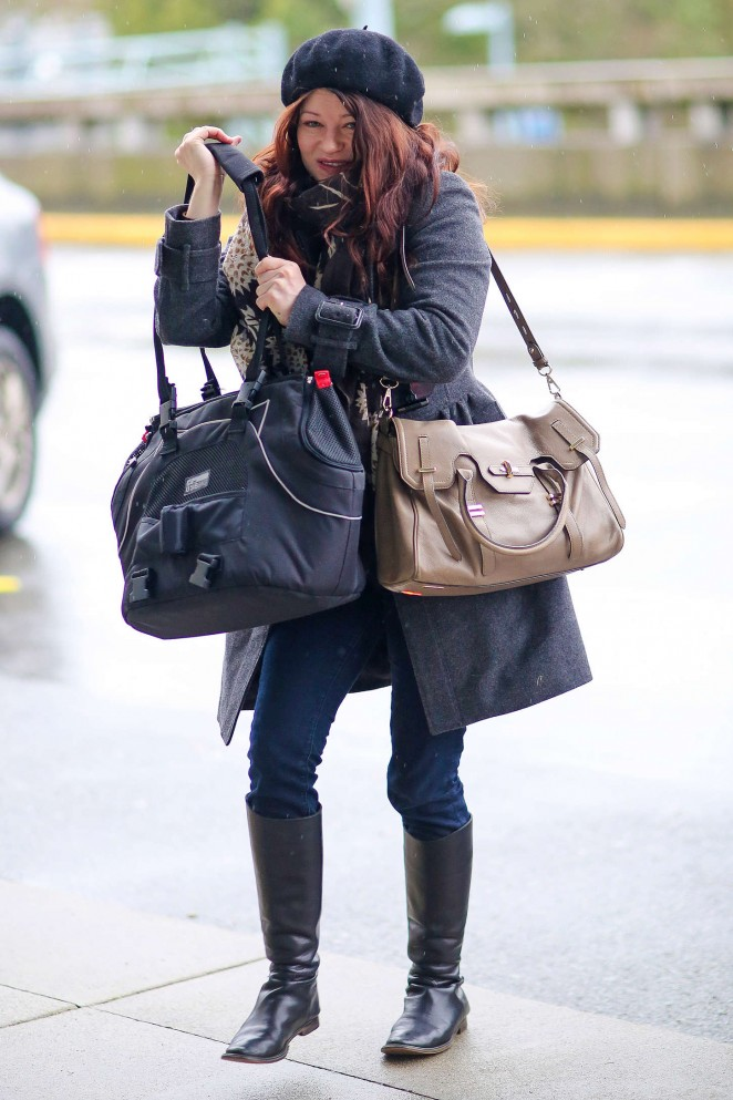 Emilie de Ravin in Jeans at Vancouver Airport