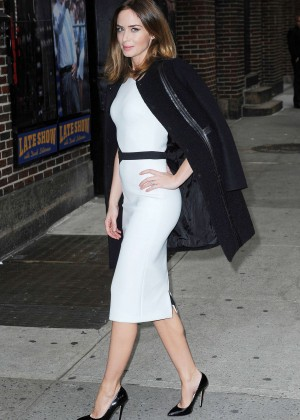 Emily blunt dress late show with david letterman november for Emily addison nyc