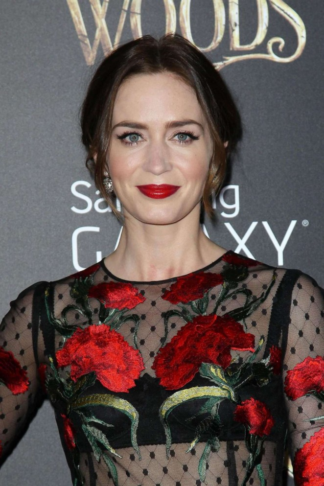 """Emily Blunt at Premiere """"Into the Woods"""" in New Yortk City"""