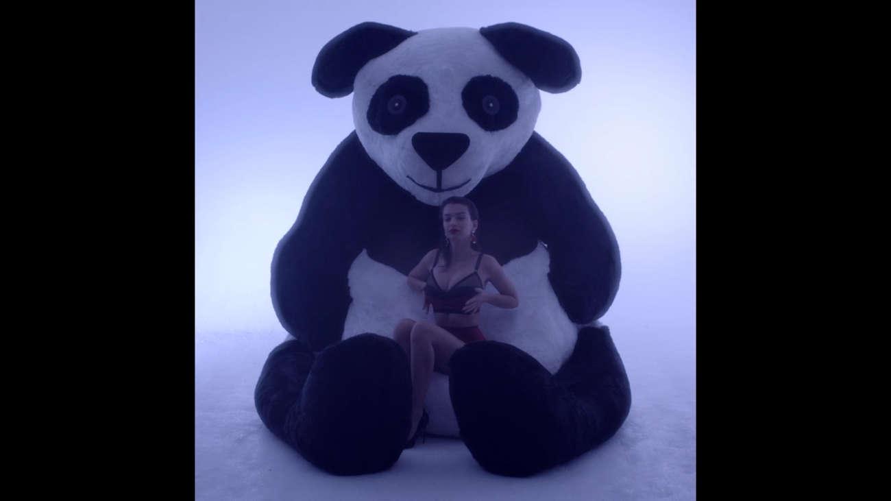 Emily Ratajkowski - LOVE Advent 2014
