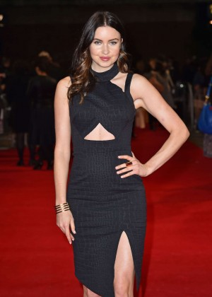 "Emma Miller - Premiere ""The Rewrite"" in London"