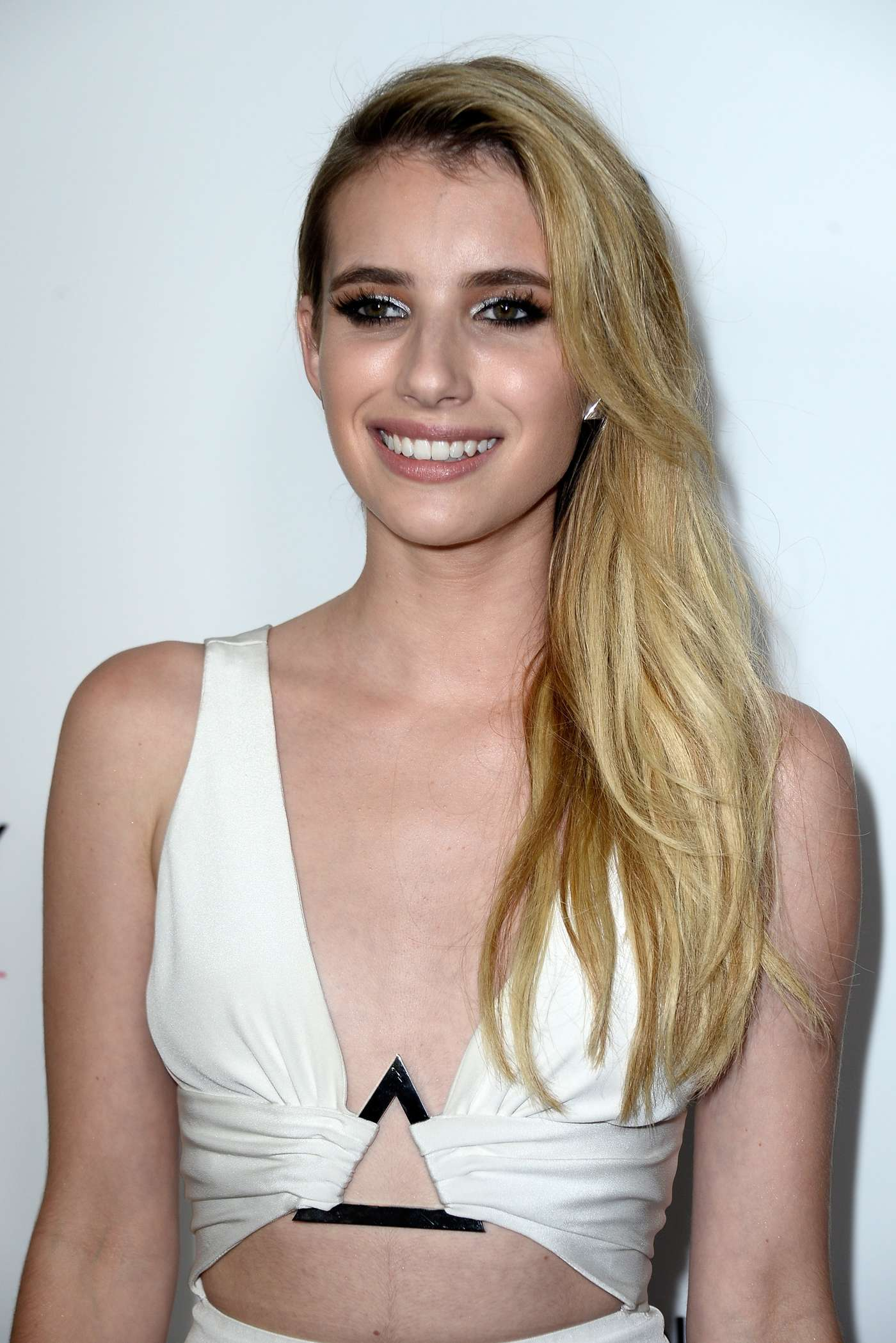 Emma roberts american horror story coven 3