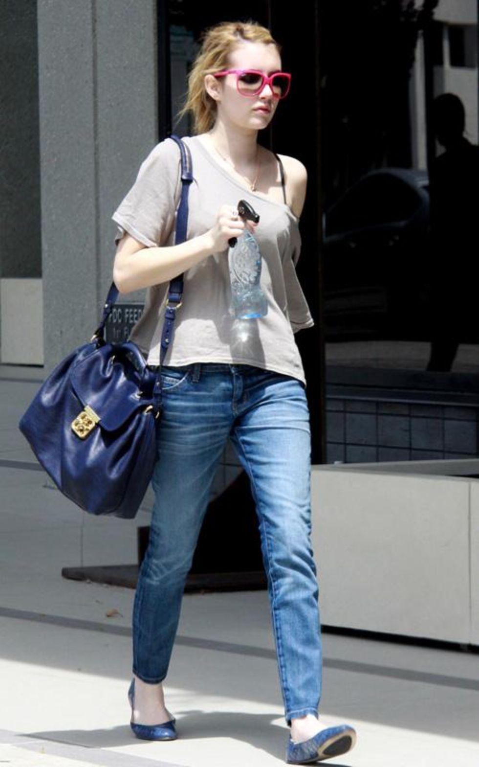 Emma Roberts 2010 : emma-roberts-candids-in-la-03