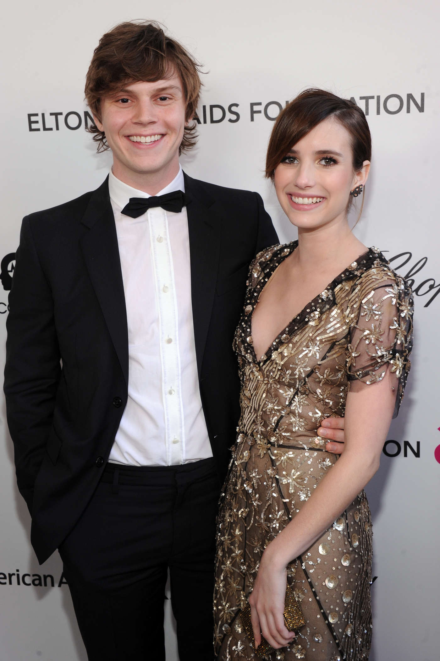 Evan Peters And Emma Roberts Emma Roberts �...