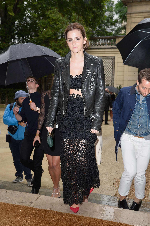 Emma Watson Paris Fashion Week 2014 02 Gotceleb
