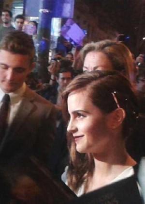 Emma Watson : Noah Madrid Premiere -08