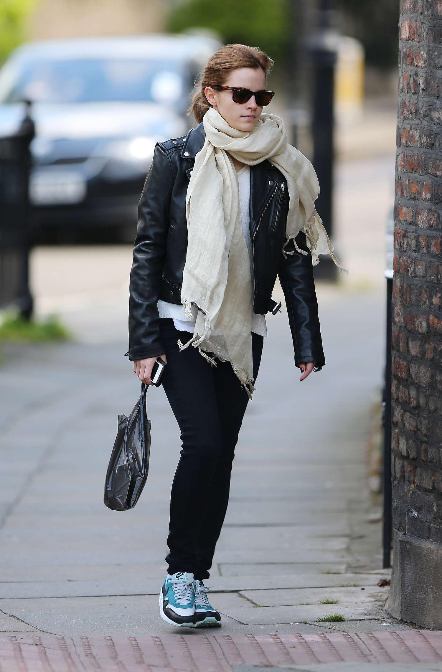Emma Watson Casual Style -01 - GotCeleb