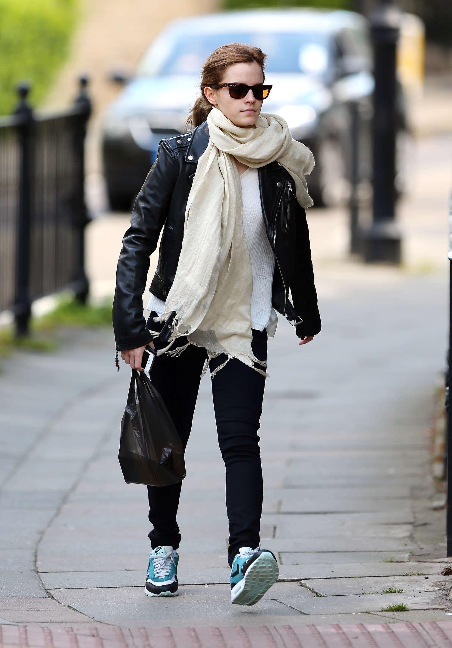 Emma Watson Casual Style 02 Gotceleb