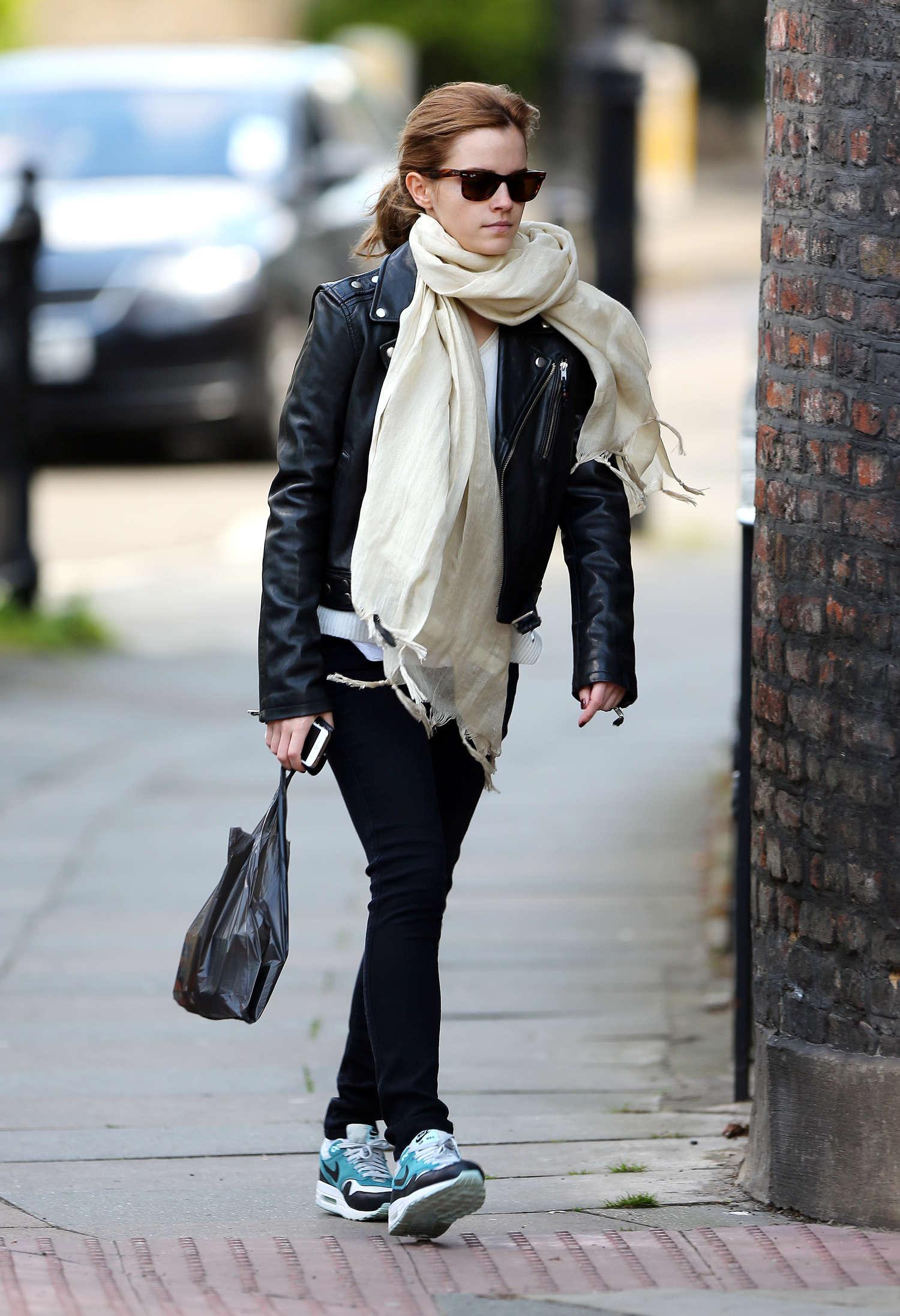 Emma Watson Casual Style 03 Gotceleb