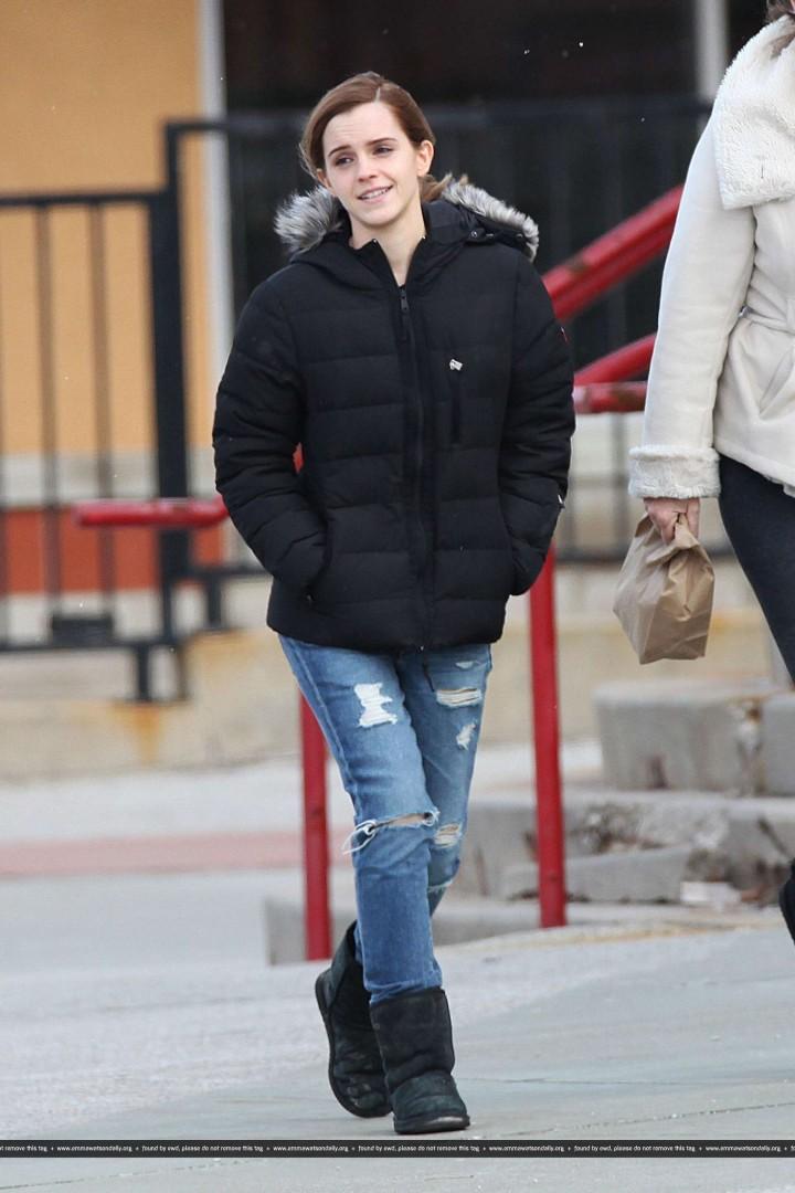 Emma Watson In Street Style Jeans 14 Gotceleb