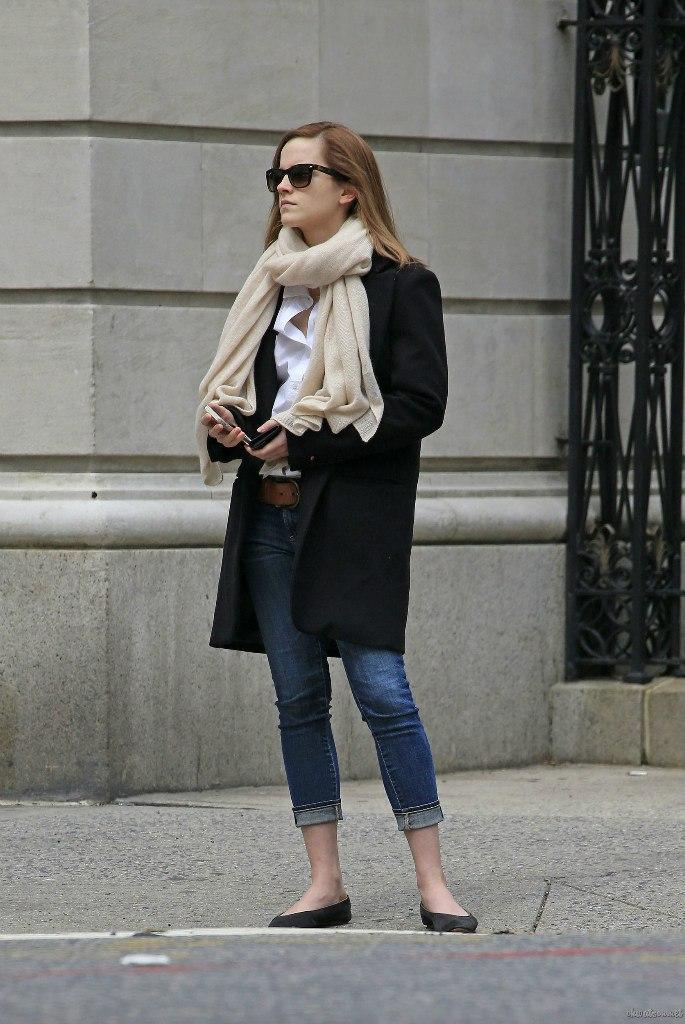 Emma Watson Casual Jeans Style -06 - GotCeleb