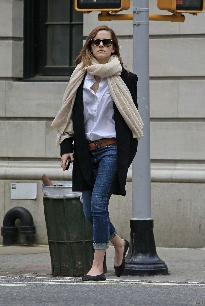 Emma Watson Casual Jeans Style 14 Gotceleb