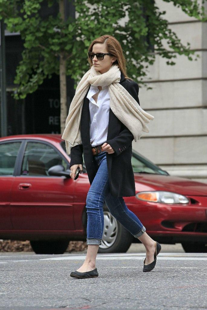 Emma Watson Casual Jeans Style -27 - GotCeleb
