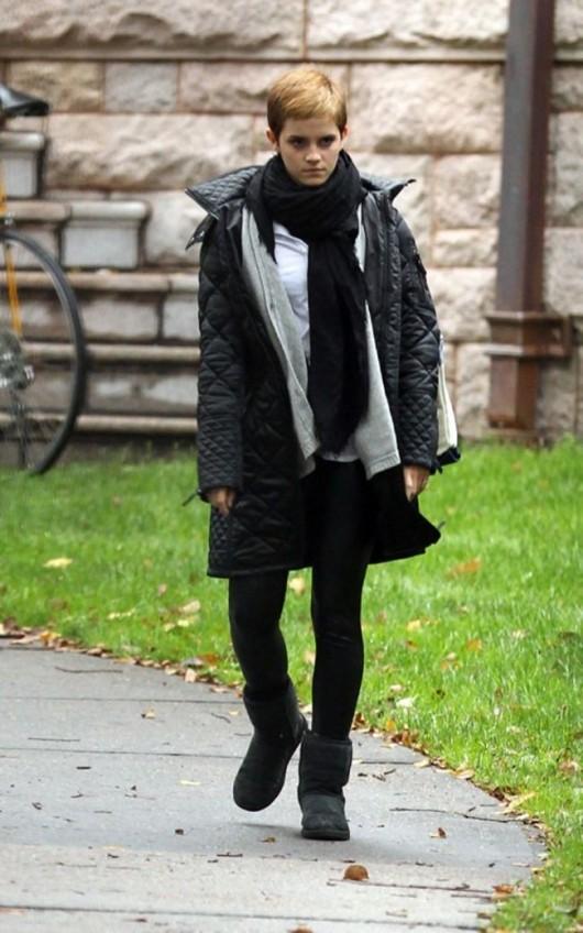 Emma Watson 2010 : emma-watson-spandex-candids-at-brown-university-oct-6-2010-06