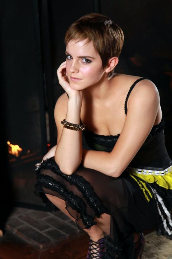 Stunner Model Emilia Clarke Celebrity HD Wallpaper